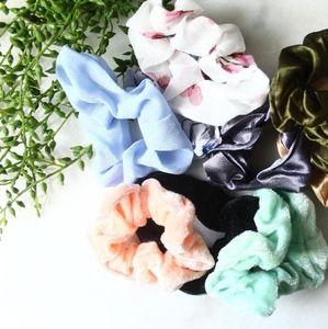 HOST PICK 🎉FREE SCRUNCHIE WITH PURCHASE !